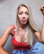 Blogger Julia Vonutti - Licenciada en Marketing