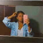Blogger     Camila Cañete - Cajera en un resto y estudiante.