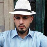 Blogger  Alejandro Natale - Actor, imitador, humorista y masajista.