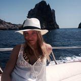 Blogger     Kari Rondanelli - Diseñadora